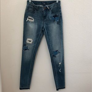 Wrangler Women's Distressed Floral Skinny Jeans